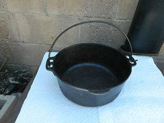 ANTIQUE VINTAGE 10 LARGE CAST IRON KETTLE CAULDRON COOK POT WITH