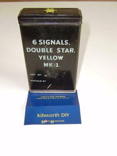 FLARE TIN BOX YELLOW 1945 ARMY SIGNALS WW2 . MILITARY