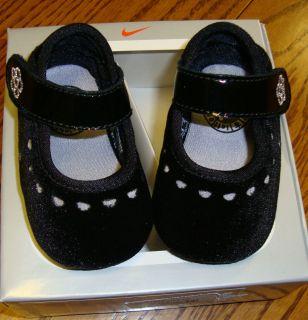 NEW NIKE INFANT BABY GIRLS BLACK MARY JANE CRIB SHOES SIZE 1 or 2