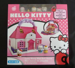 HELLO KITTY CARRY ALONG MINI DOLLS HOUSE WITH FURNITURE AND 3 FIGURES