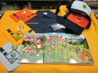 ONE OFFICIAL CUB SCOUT UNIFORM SET ( NEW ) TIGER , WOLF OR BEAR YOUR