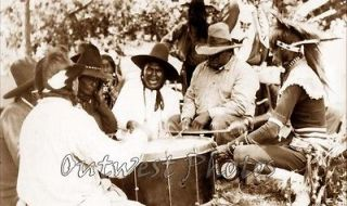 1928 CROW NATIVE AMERICAN INDIAN POW WOW DRUMMERS DRUM PHOTO