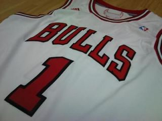 Chicago Bulls Derrick Rose Jersey adidas Revolution 30 Swingman Home