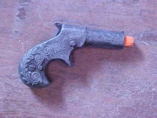 Mattel Miniature Remington Derringer Belt Buckle Cap gun 2.75 circa
