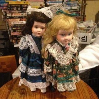 Cracker Barrel Porcelain Doll 2 Dolls Blonde Brunette Green Blue Dress