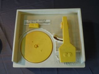 Vintage 1971 Fisher Price Music Box Record Player Musical Toy w