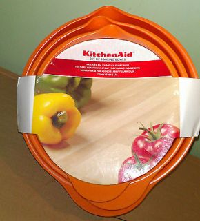 KitchenAid set of 3 plastic mixing bowls orange nonslip base*NWT*