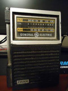 General Electric model 7 2506B Transistor AM/FM Radio in Working