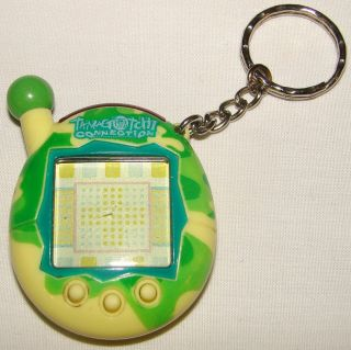 2004 Bandai Tamagotchi Connection Green Yellow Interactive Virtual