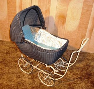 ANTIQUE/VINTAG​E 1936 1939 BLACK RATTAN WICKER BABY DOLL CARRIAGE