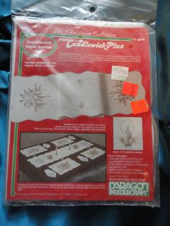 NIP Christmas CANDLEWICKING Table runner Complete KIT 8645 Holiday