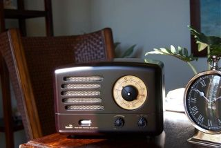 AM/FM Tube Radio   *NEW* High Quality, Tube Amplified iPod input