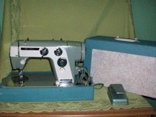 Vintage New Home Deluxe Portable Sewing Machine Model 370 With Case