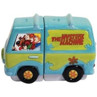 23309 Scooby Doo Gang Mystry MachinSalt Shakers Collectible Kitchen