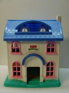 FISHER PRICE LITTLE PEOPLE HOUSE 2001   MATTEL 77975/77747