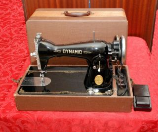 VINTAGE DYNAMIC DELUXE SEWING MACHINE MADE BY PRECISION JAPAN 1955