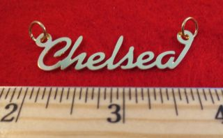 14KT GOLD EP CHELSEA PERSONALIZED NAME PLATE WORD CHARM PENDANT 6078