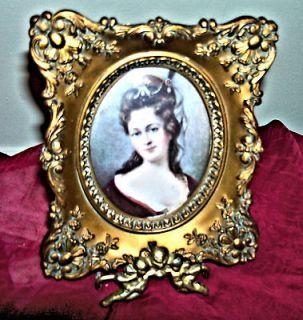 Vintage A CAMEO CREATIONAnna Louise de Bourbon By Nicholas