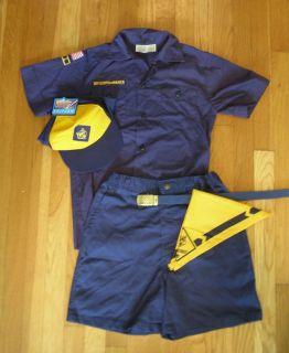 OFFICIAL BOY WOLF CUB SCOUT BLUE SHIRT YOUTH MEDIUM SHORTS 18 29 HAT