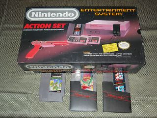 Nintendo NES Action set in Original Box +7 GAMES Zapper gun NO