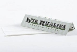 wiz khalifa rolling papers in Tobacciana