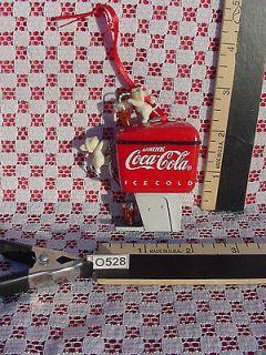VINTAGE COKE FOUNTAIN DISPENSER COCA COLA PLASTIC ORNAMENT 1990 O528