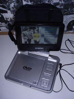 CURTIS DVD7026 7 Swivel Style Portable DVD Player w USB + Power
