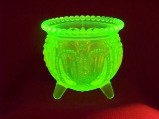 VASELINE URANIUM GLASS WITCH POT GLOW UNDER BLACK LIGHT