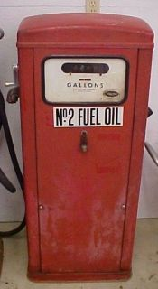 WAYNE MODEL 12 GAS PUMP UNRESTORED NEEDS NEW OWNER