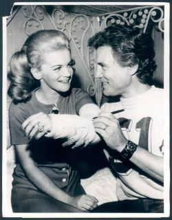 Star Ann Margret Near Fatal Accident Broken Arm Husband Roger Photo