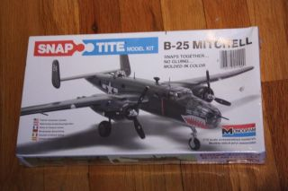 NEW B 25 Mitchell Sealed Model Plane Kit Snap Tite Snaptite 1100 172