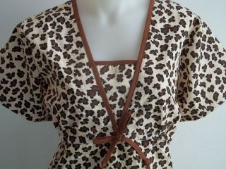 XS S M L XL 2XL CHEETAH BLACK BROWN TAN ANIMAL PRINT SCRUB TOP NWT