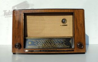 MAJEST​IC 3003 Antique Tube Radio German  Steel Tubes  Year 1951