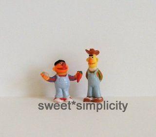 Sesame Street Vintage? Bert & Ernie Farmer Figures Jim Henson JHP Cake