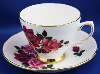 COLCLOUGH Tea Cup & Saucer / Red & Pink Roses
