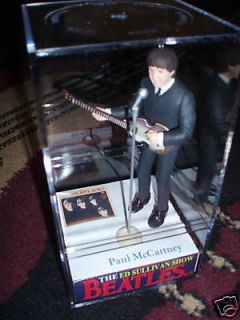 NEW Ed Sullivan THE Beatles PAUL Mccartney in case figure/figurin​e