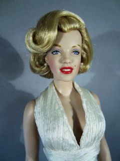 Evening Outfit Gown Dress Franklin Mint Marilyn Monroe Vinyl 16 Doll
