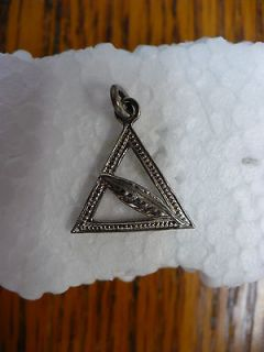 KT  VINTAGE JOBS DAUGHTERS TRIANGLE CHARM WITH FEATHER (SILVERTONE