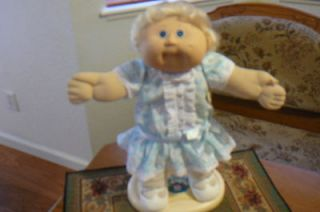 VINTAGE 86 CABBAGE PATCH CORNSILK GIRL BLONDE HAIR BLUE EYES SO CUTE