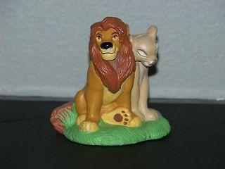 DISNEY PIN / PINS LION KING SIMBA & NALA SITTING SEDESMA