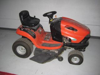 SCOTTS RIDING MOWER 17 HP BRIGS&STRATON USED IN GREAT WORKING
