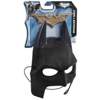 Batman Dark Knight Rises Bat Cowl Mask and Batarang Gear by Mattel