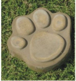 DOG CAT PAW PRINT CONCRETE PLASTER STEPPING STONE MOLD 7IN 1018