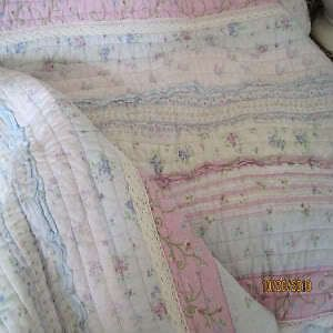 SHABBY VINTAGE COTTAGE WHITE CHIC PINK ROSES VIOLET FLORAL RUFFLES