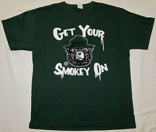 MEDIUM MENS T SHIRT GET YOUR SMOKEY ON THE BEAR FORREST FIRES PREVENT