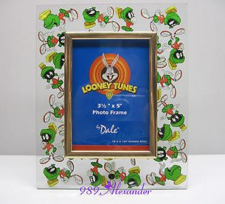 Warner Bros Looney Tunes Marvin the Martian Glass Photo Picture Frame
