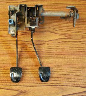 2004 Subaru Forester Clutch & Brake Pedal Assy OEM 9K (Fits Subaru
