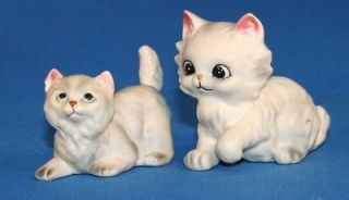VINTAGE   2 SOOPER CUTE WHITE KITTY CAT FIGURINES   1 NORCREST?