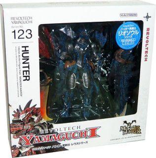 Revoltech Yamaguchi 123 EX Monster Hunter Hunter Swordsman Liosoul
