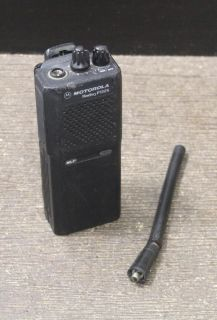 MOTOROLA RADIUS P1225 16 CH HANDIE TALKIE RADIO NO SIGNAL AS IS PARTS